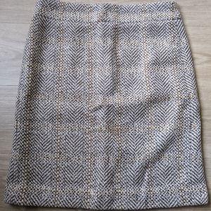 Knee length wool skirt